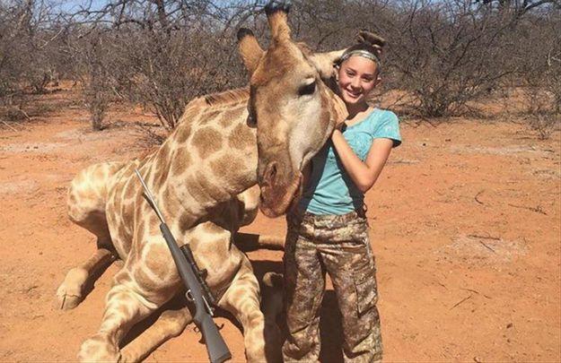12-latka wywołała burzę w internecie zamieszczając zdjęcia ze zwierzętami, które upolowała