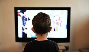 Telewizor wygrywa ze smartfonem? Zobacz, z jakich urządzeń najczęściej korzystamy