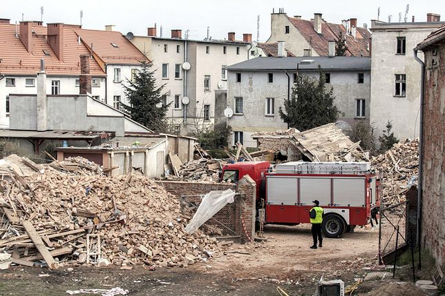 Wstępne wyniki sekcji zwłok ofiar katastrofy w Świebodzicach. Oparzenia świadczą o wybuchu