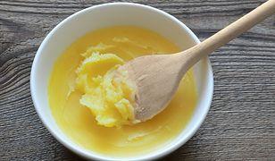 Masło klarowane, inaczej ghee, łatwo przygotujemy własnoręcznie. Świetne do smażenia i smarowania pieczywa
