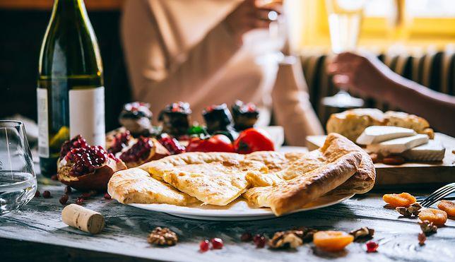 Gruzja, Włochy, Tajlandia pod kątem turystyki kulinarnej. Sprawdź, jak najlepiej poznawać nowe smaki