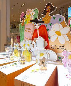 Karolina Pawelczyk odpowiada za graficzną oprawę światowej akcji Pick Your Daisy! To jej kolejny projekt dla Marc Jacobs Fragrances