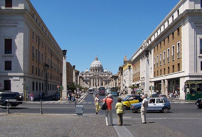Restauracje w Rzymie. 500 złotych za hot dogi i kanapkę