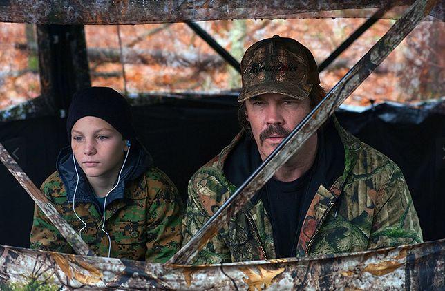 Buck Ferguson próbuje naprawić relacje z nastoletnim synem.