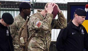 Żołnierze w koszarach w Woolwich, dzielnicy Londynu, w której doszło do krwawego zamachu