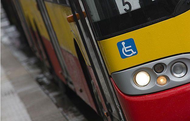 Autobusy jeżdżą zmienionymi trasami