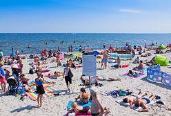 """""""Nagość na plaży to totalne tabu"""". Polki z chęcią opalają się topless, ale za granicą"""