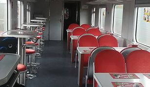 Przy stolikach w Warsie nie usiądziesz. Posiłki w pociągach tylko na wynos