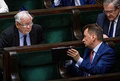 Najnowszy sondaż. Traci Andrzej Duda, traci PiS. Partia Jarosława Kaczyńskiego i tak liderem
