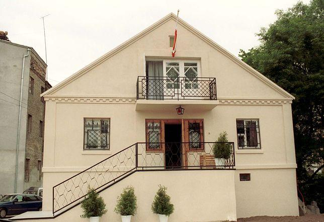 Mężczyzna twierdził, że może pomóc przekupić urzędników polskiego Konsulatu Generalnego w Grodnie