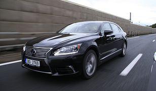 TOP 6: raport sprzedaży luksusowych limuzyn - Lexus LS