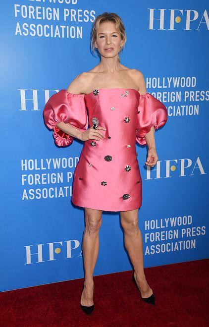 Renee Zellweger zachwyca swoją figurą. Stylizacja aktorki podkreśliła jej urodę