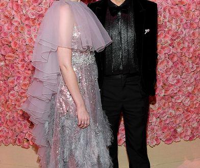 Lucy Boynton i Rami Malek na MET Gali 2019. Wyglądali olśniewająco