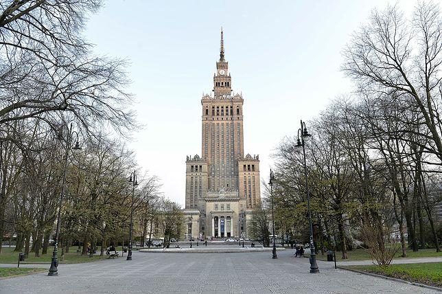 Pałac Kultury i Nauki - najczęściej odwiedzane przez turystów miejsce w Warszawie. O jego podziemiach krążą legendy