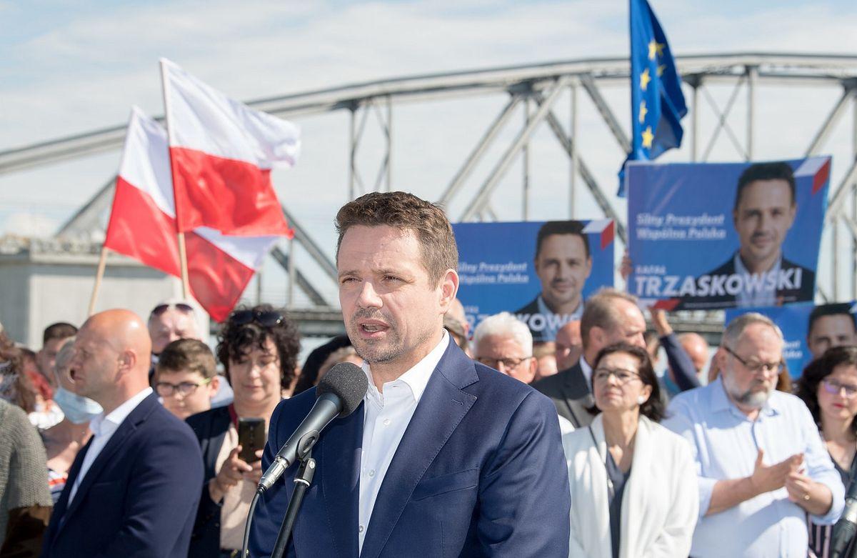 """Wybory prezydenckie 2020. Rafał Trzaskowski uderza w PiS. """"Wydaje mi się, że coś ukrywają"""" [relacja na żywo - 30 czerwca]"""