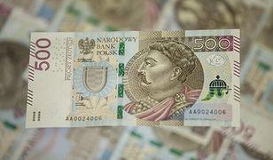 Kwitnie handel w internecie nowymi banknotami. Nawet 20 procent przebitki