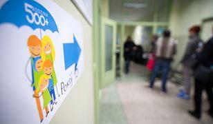 Już latem 500 złotych otrzymają również rodzice jednego dziecka. Bez względu na dochody
