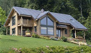 Jaki dach dobrać do drewnianego domu?