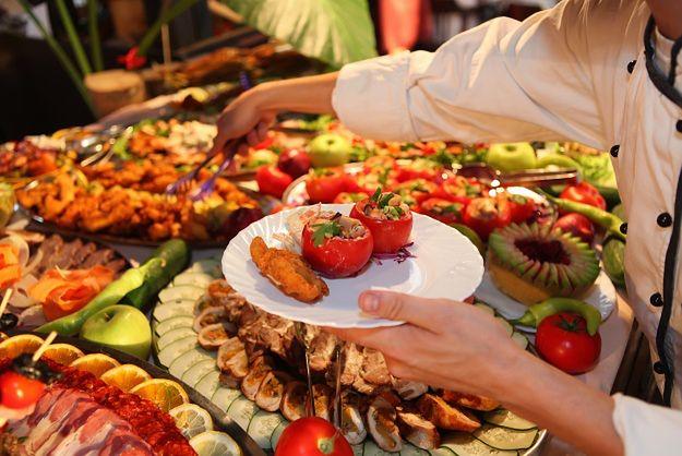 Restauracje mają podawać dokładny skład swoich potraw. Na razie mają z tym kłopot