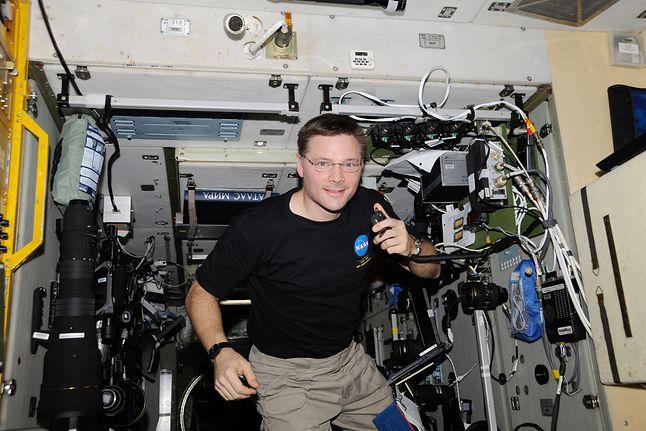 Krótkofalowiec Doug Wheelock na Międzynarodowej Stacji Kosmicznej