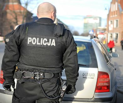 Czy policja może kazać ci odblokować telefon? Sprawdzamy, co mówią przepisy