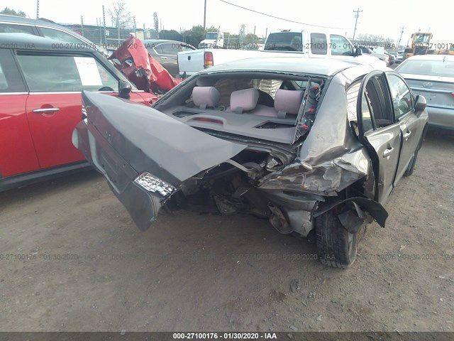Honda Civic po kolizji z Teslą
