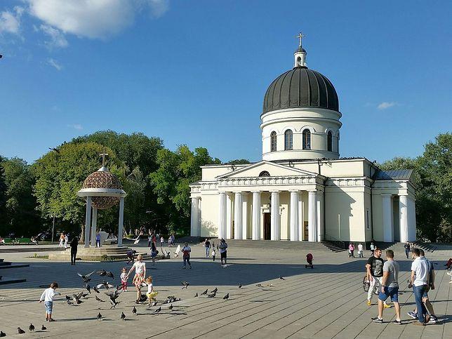 Kiszyniów, wzniesiona w połowie XIX wieku katedra Narodzenia Pańskiego