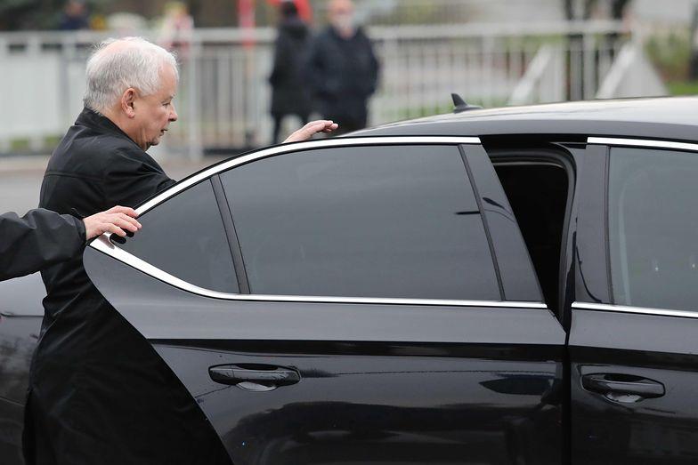 Tak Kaczyński jeździ do kościoła. Ale konwój!