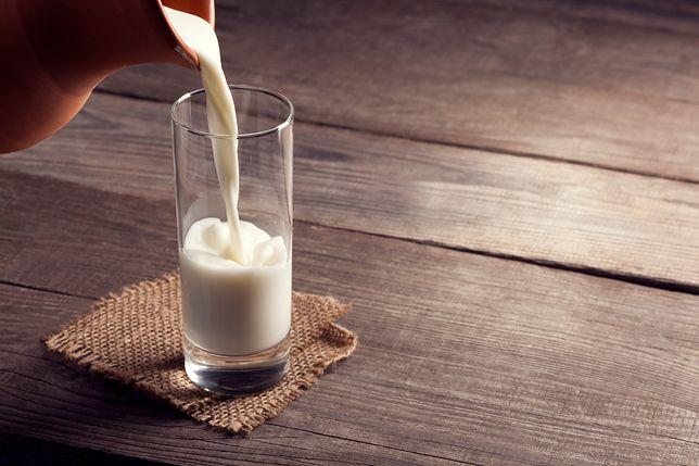 Kazeina micelarna - odżywka białkowa. Jak ją stosować?