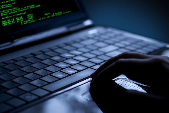 Gigantyczny atak hakerski na Ukrainę. Sparaliżowane banki, metro, lotnisko