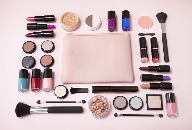 Śliczne kosmetyczki, w których zmieścisz wiele produktów. Pasują do każdej torebki