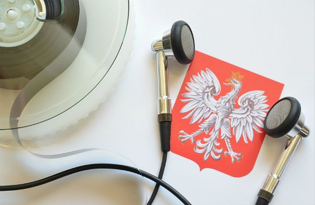 """Amnesty International krytykuje nowelizację zasad inwigilacji w Polsce. """"Poważne ograniczenie praw człowieka"""""""