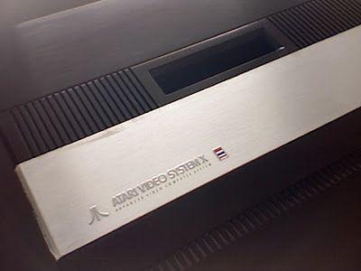 Obudowa Atari Video System X  zaprojektowana przez Regana Chenga  inspirowana była sprzętem firmy Bang & Olufsen.