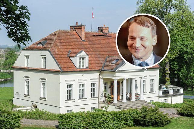 Były szef MSZ Radek Sikorski wycenia posiadłość w Chobielinie na 4 mln zł