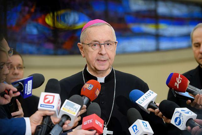 Koronawirus w Polsce. Abp Stanisław Gądecki poinformował o nowych wytycznych w Kościele