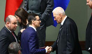 Kornel Morawiecki regularnie raczy syna ojcowskimi radami
