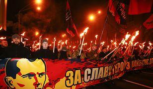 Truzyb oraz czarne i czerwone barwy wykorzystują ukraińskie organizacje nacjonalistyczne