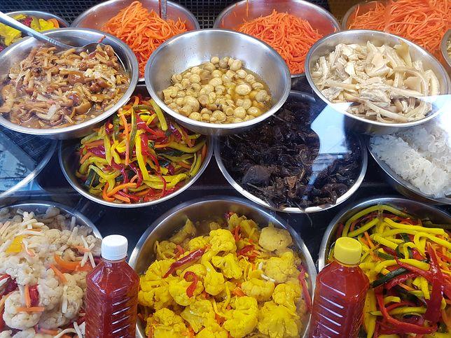 Centralny Bazar to dziś miejsce, gdzie kupić i sprzedać można prawie wszystko