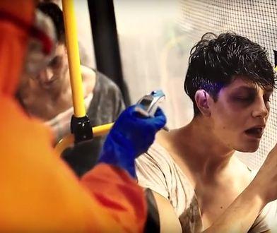 Zombie na torach. Szokująca kampania Tramwajów Warszawskich