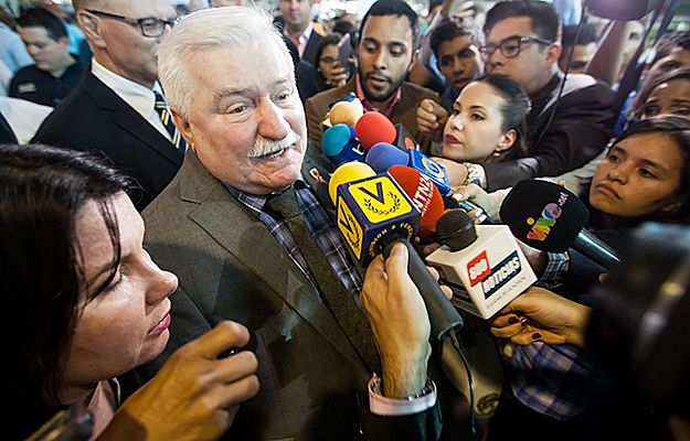 Lech Wałęsa na mikroblogu: czekam, aż sam to zrobi. Jeśli nie, nie będę miał wyboru