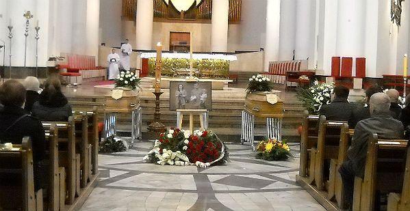 Ostatnie pożegnanie rodziny Kmiecików. Tłumy na pogrzebie