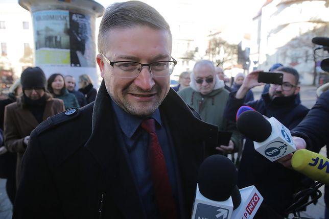"""Paweł Juszczyszyn przyszedł do Sądu Rejonowego w Olsztynie. """"Jestem gotów do orzekania"""""""