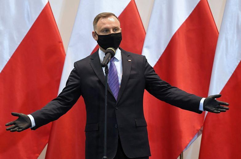 """""""Właśnie siedzę!"""". Cięta riposta Andrzeja Dudy"""