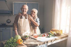 Dieta, która zapobiega chorobie Alzheimera. Spożywaj te produkty codziennie