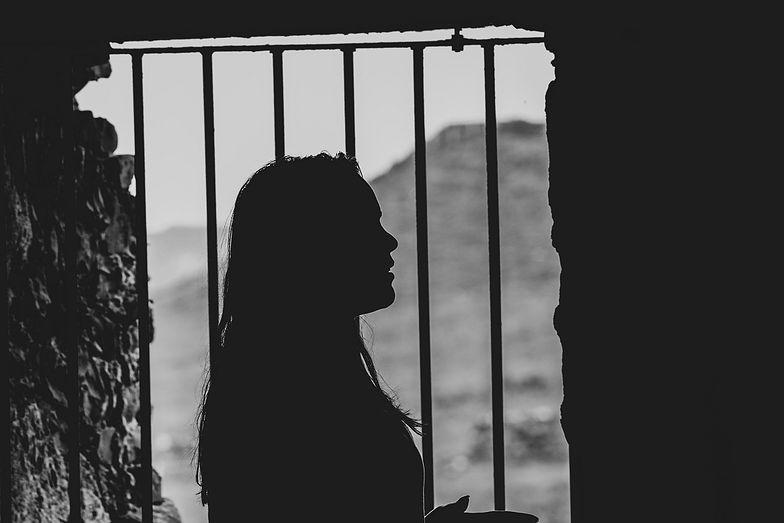 Anglia. Zostawiła swoje dziecko na mrozie, 7-latek zmarł. Usłyszała zarzuty