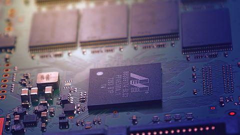 Chiny prezentują dwa nowe procesory do PC. Ponoć są porównywalne do późnych AMD FX