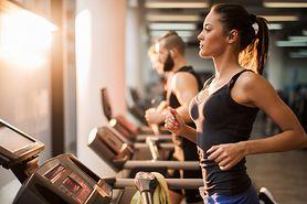 Jak wzmocnić efekty treningów na siłowni przy pomocy kosmetyków?