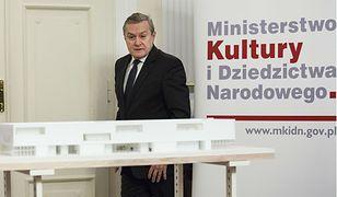 Minister Gliński znowu w opałach. Pogubił się w muzeach, które miał wybudować