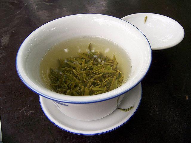 Zielona herbata pomoże na wypadające włosy