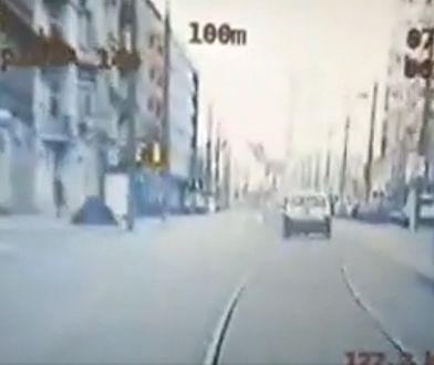 Pościg w Poznaniu. Kierowca, który odgryzł policjantowi kawałek palca usłyszał zarzuty.